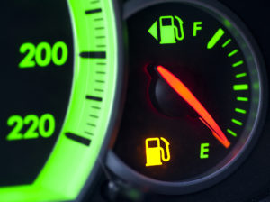 Индикатор низкого уровня бензина