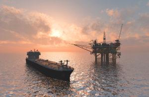 Танкер и нефтяная платформа